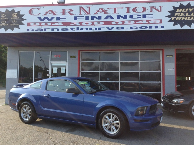 2006 Ford Mustang Coupe Loaded w nice Exhaust