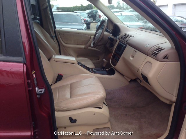 2000 Mercedes Benz M-Class Leather Sunroof Clean AWD 4X4 Truck