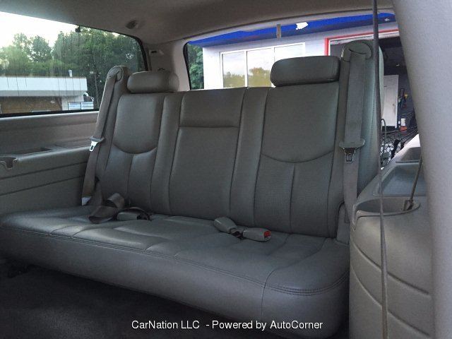 2004 Cadillac Escalade ESV 4-Door AWD Sunroof Loaded To The Max