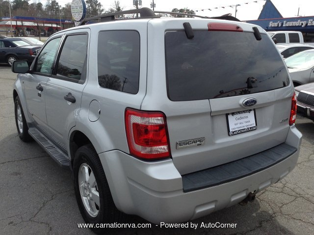 2008 Ford Escape XLT 4WD Sunroof Bluetooth & AUX New Tires