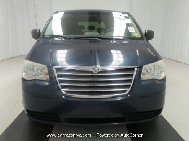 2009 Chrysler Town & Country LX Loaded 1 Owner Clean History